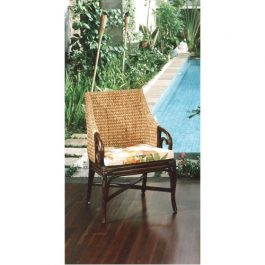 Кресло из бамбука в Калининграде