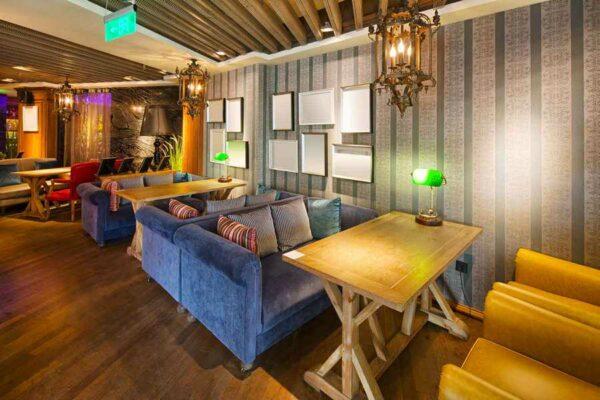 Диваны, столы для кафе в Калининграде